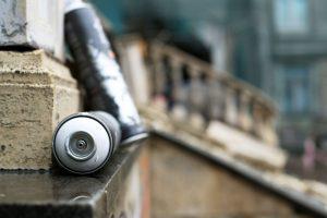 jaká firma odstraňuje graffiti
