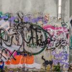 jak odstranit graffiti z betonu