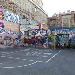 I graffiti může jít ze zdi dolů, když ktomu pustíte ty správné lidi